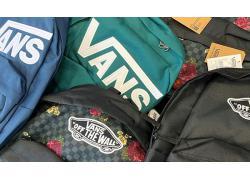 Balo Vans – Phụ kiện gắn liền với thời trang giới trẻ