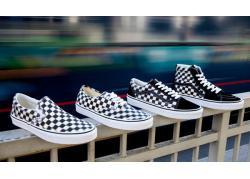 Giày Vans Caro: Thôi miên giới trẻ với những ô vuông bàn cờ cực Chill