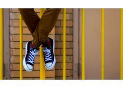 Mách nước bạn một số phong cách phối đồ với giày Converse
