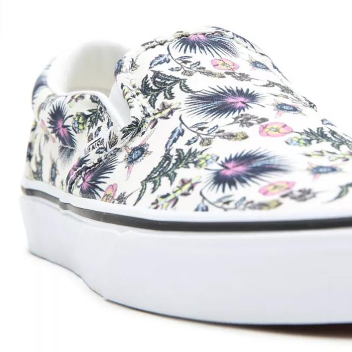 Tận hưởng thiên đường hoa trải đều trên phiên bản Vans Paradise Floral