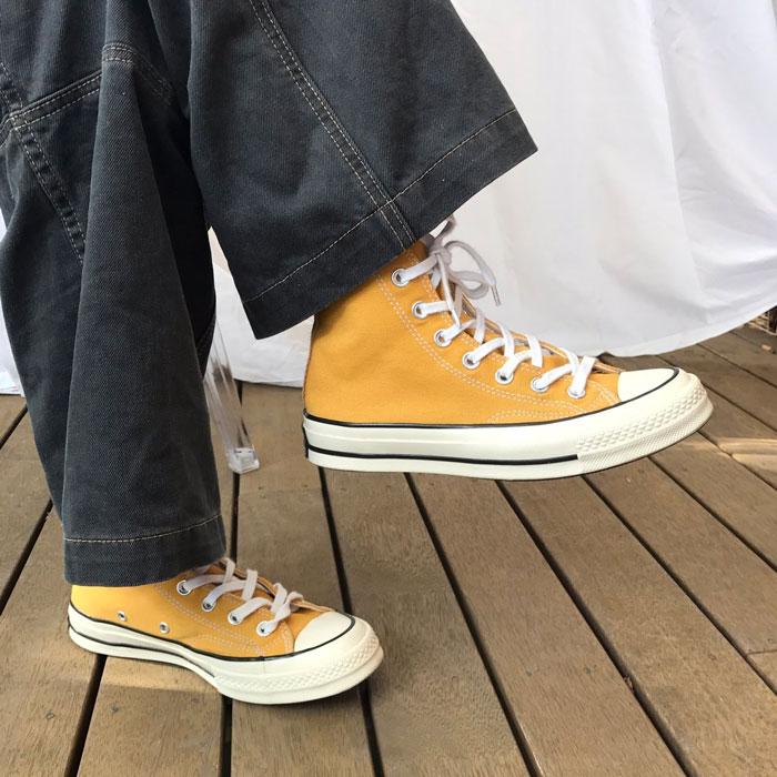 Chuck 70s Sunflower – Đôi giày vàng của làng thời trang là đây!
