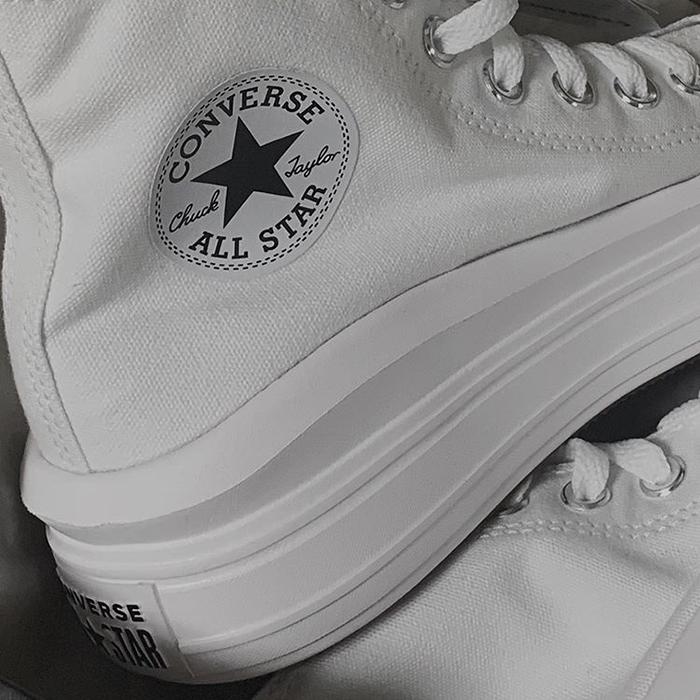 Nhìn ngắm đôi giày Converse Chuck Taylor All Star Move dành cho các bạn nữ