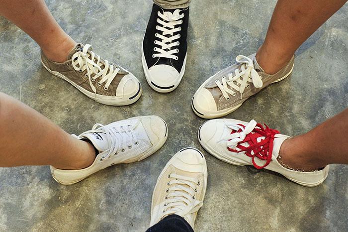Loạt hình ảnh Converse On Feet cực chất giúp bạn bắt trend cực nhanh