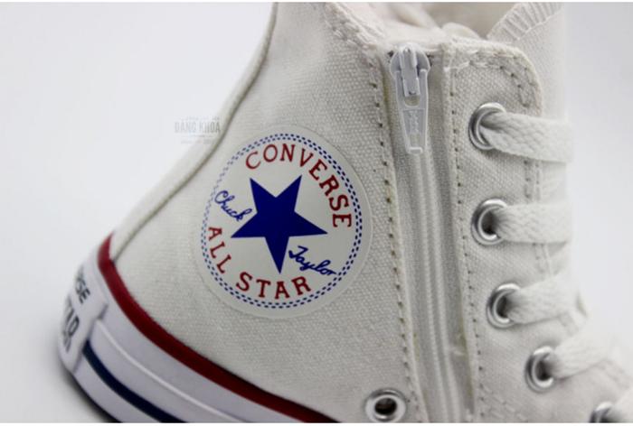 """Sắm ngay cho """"baby"""" những đôi Converse trẻ em cực cool này!"""