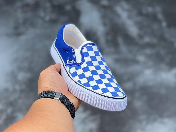 Cá tính hơn với những đôi giày Vans xanh dương